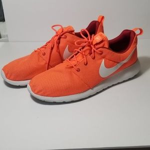 buy popular c6e88 8eee6 ... Nike Roshe Run sz 13 Hyper Crimsonwhite ...